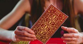קלף המעצבת